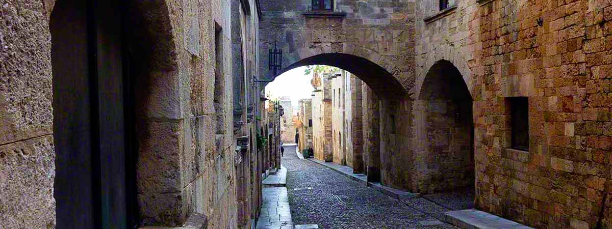 The-Street-of-the-Knights-old-town-rhodes-apartments
