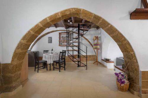 rustic-self-inn-rhodes-rentals-apartments-01