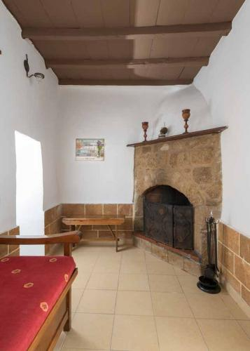 rustic-self-inn-rhodes-rentals-apartments-02