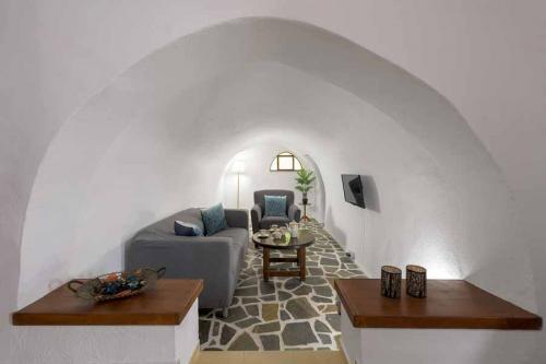 rustic-self-inn-rhodes-rentals-apartments-08