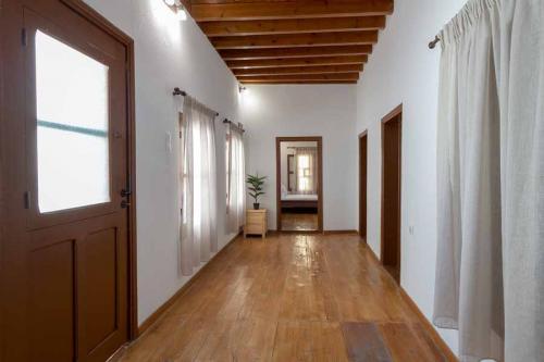 rustic-self-inn-rhodes-rentals-apartments-13