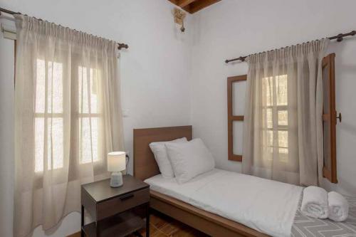 rustic-self-inn-rhodes-rentals-apartments-22