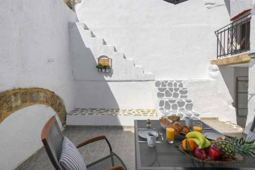 rustic-self-inn-rhodes-rentals-apartments-32